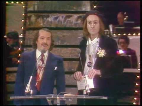 Watch John Lennon And Paul Simon At The 1974 Grammy Awards Video