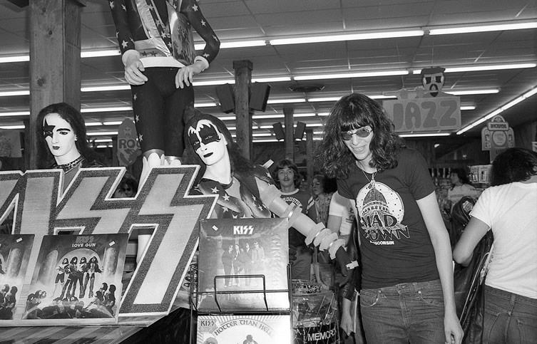 Joey Ramone Houston Texas 1976 Photo Sonic More Music