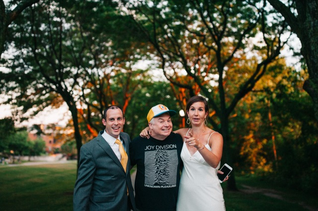 mike-myers-wedding-photobomb-010